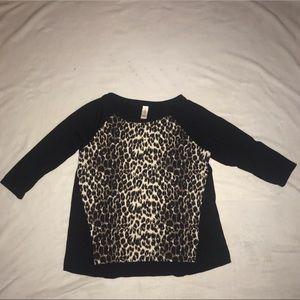 Cheetah print mid-sleeve shirt